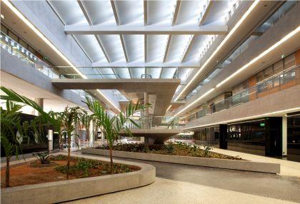 FHE - átrio central - Foto: Leonardo Finotti