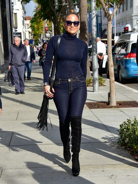 Jennifer Lopez Photos - Jennifer Lopez Runs Errands - Zimbio