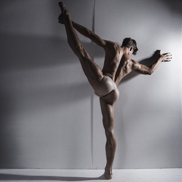 Muscular nude gogo dancing
