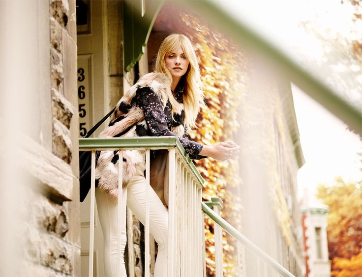 Autumn Collection Woman AW16 #autumn#fur#vest#balcony