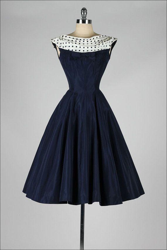 vestido vintage de los años 50. azul marino. por millstreetvintage