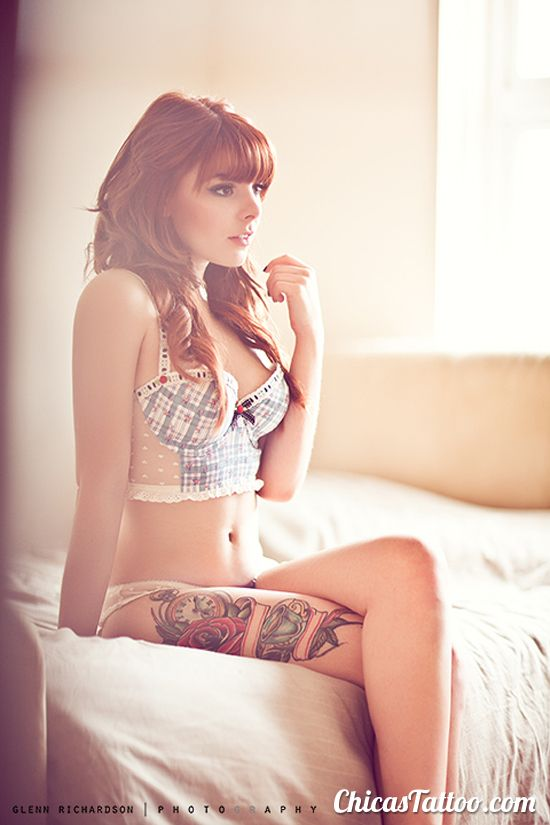 Tatuaje de Reloj y Rosa en la Pierna #sexy #tattoo #reloj #rosa #tatuaje: Red Hairs, Ink Girls, Tattoo'S Girls, Alice In Wonderland, Roses Tattoo'S, Girls Tattoo'S, Redhair, Leggings Tattoo'S, Thighs Tattoo'S