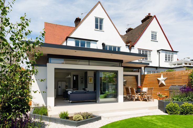We were asked to design an extension at ground level and fully refurbish this property to a high standard, maximising space where possible. The existing extension was demolished and a new stepped addition put in its place to stretch across the whole rear elevation. The new extension incorporated large sliding...