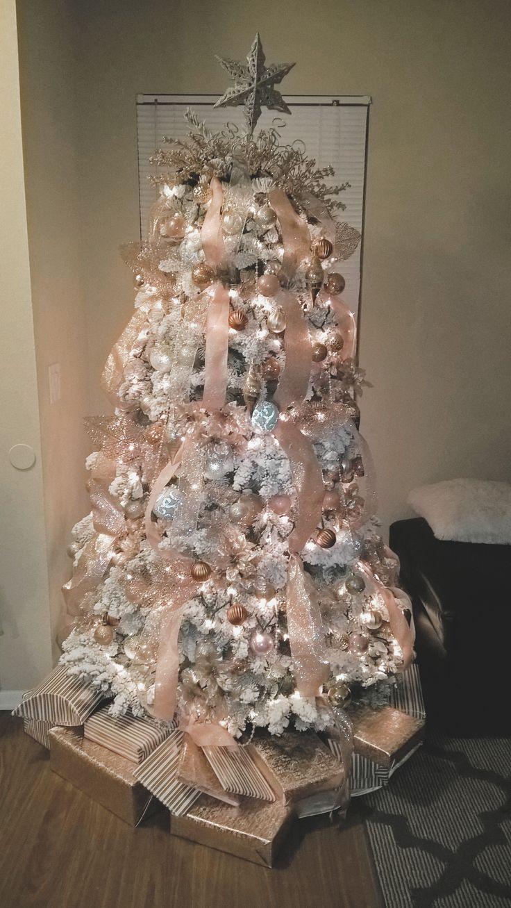Rose gold Christmas Tree | christmas | Árbol de navidad rosado, Árbol de navidad plateado, Casas ...