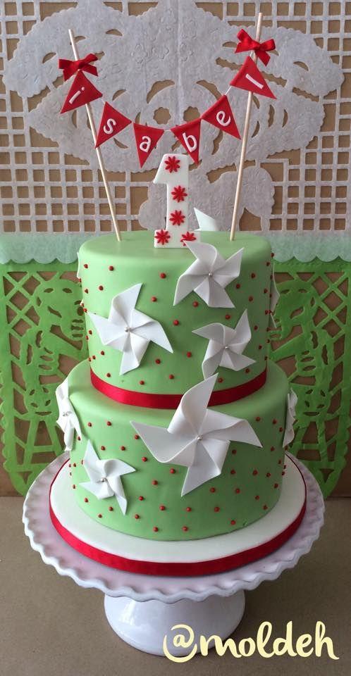 Pastel de rehiletes con colores de la bandera de México para festejar el primer Cumple de Isabel en las fiestas patrias // Pinwheel cake with mexican flag colors for Isabel's first birthday.
