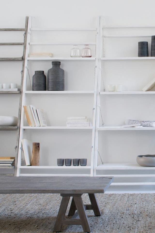 Best 25 leaning shelves ideas on pinterest leaning for House doctor ladder