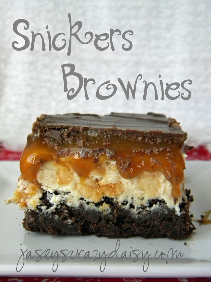 Snickers BrowniesDesserts, Snicker Brownies, Food, Hot Fudge, Brownies Recipe, Chocolates Candies, Peanut Butter, Sweets Tooth, Snickers Brownies