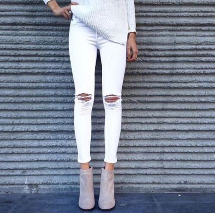 White pants + ankle boots