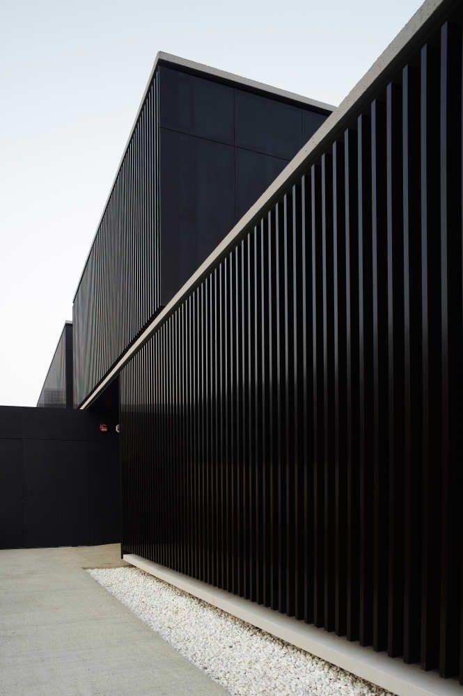 architecture black javier larraz