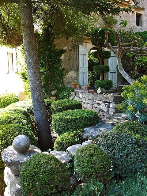 The beautiful garden La Louve by designer Nicole de Vésian, Bonnieux, Provence