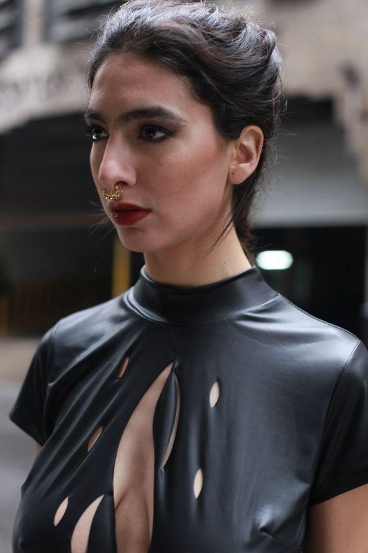 Modelo Antonella Bevilacqua PH Roman Ledesma Estilismo y diseños Flor Cuevas Maquillaje Anahí Aramburu