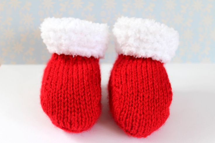 Christmas Booties, Xmas Baby Gift, Red Baby Booties, Fluffy Booties, Red Crib Shoes, Unisex Booties, Hand Knit Booties, Festive Booties by Pinknitting on Etsy