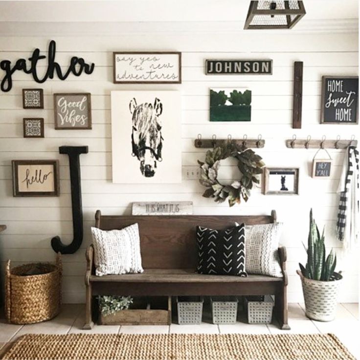 farmhouse foyer decor idea - love this decorating idea for a farmhouse entryway