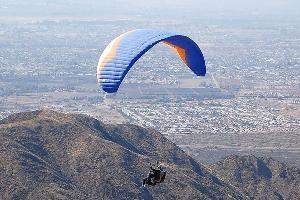 Vuelo en Parapente desde el Cerro Arco - Mendoza en Mendoza & Alrededores, Mendoza, - Parapente - flipaste.com.ar