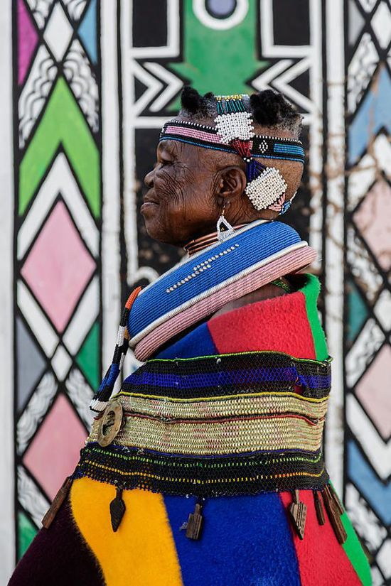 Geometric design: Ndebele   Colourful African tribal design of South Africa's Ndebele people