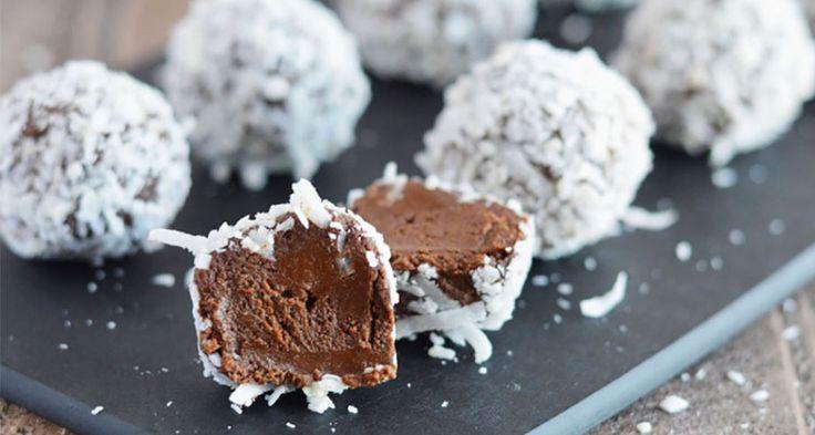 Fantastiskt goda och väldigt enkla att göra! Sockerfria, helt veganska och med nyttiga fetter – perfekt som snacks till helgen.