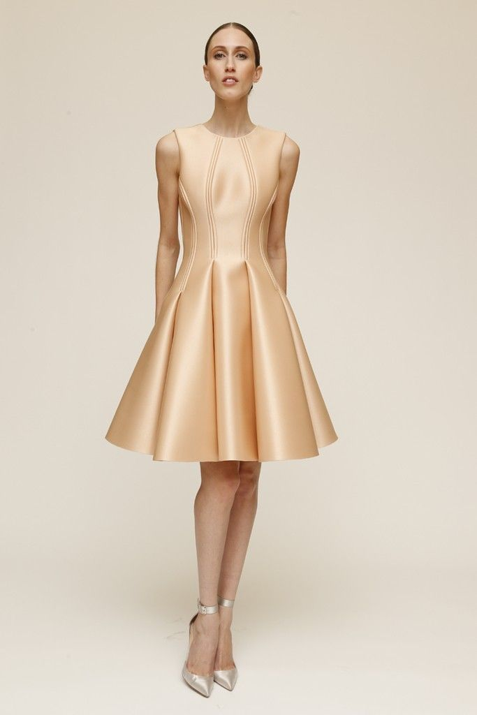 Zac Posen Resort 2015 - Slideshow - Runway, Fashion Week, Fashion Shows, Reviews and Fashion Images - WWD.com: