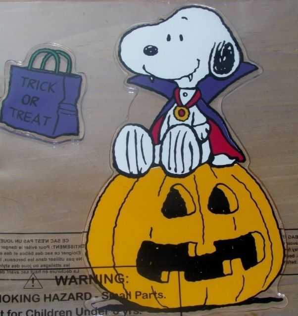 Peanuts Snoopy Halloween Gel Clings Window Decor Vampire Dracula Jack O Lantern #Snoopy #Halloween #vampire