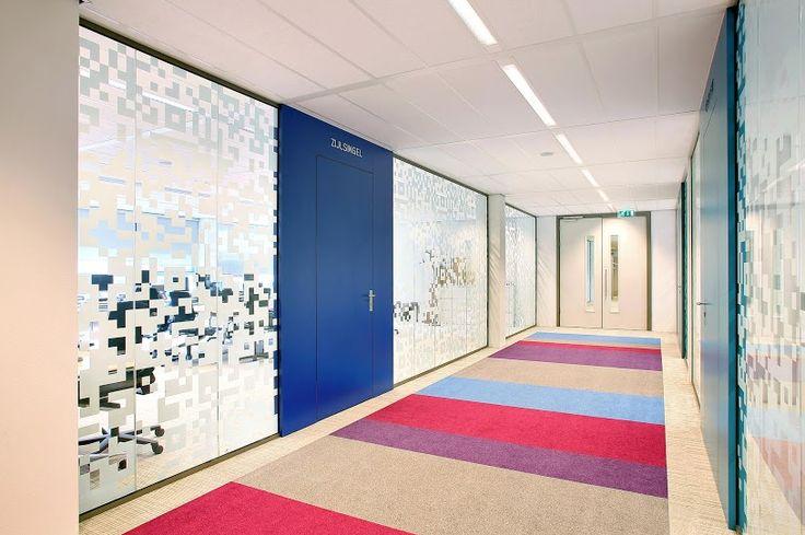 Folie met digitale pixels voor computerruimtes. #Intermontage #IBPInterieurbouw