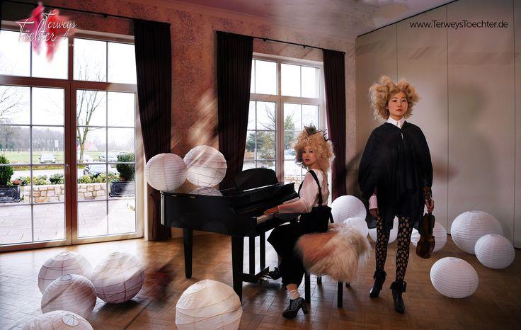 Working on a #visual, #classical concert show. www.TerweysToechter.de  #stageset #paper #wig