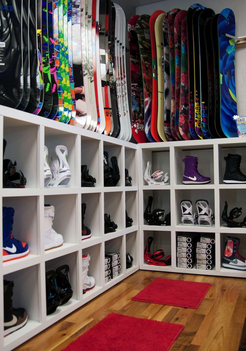 Most girls want a closet filled with amazing clothes. I want that, too...as well as a closet that looks like this!