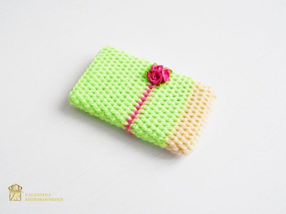 Cell phone case.Pink iPhone Case Crochet phone case, Crochet Phone Sleeve, Iphone 6S Case, Samsung Galaxy S4 Case, Samsung Galaxy S4 Sleeve.  Cute little smart phone sleeve is great for protecting your phone in style. Please, select your size and I will make phone case for you within a 1