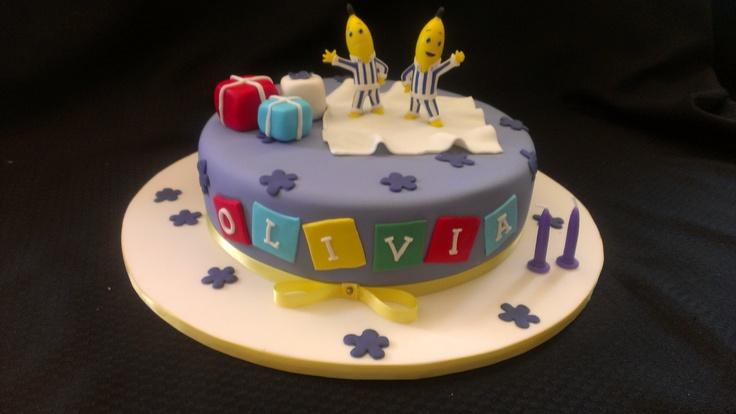 Bananas in Pyjama's cake