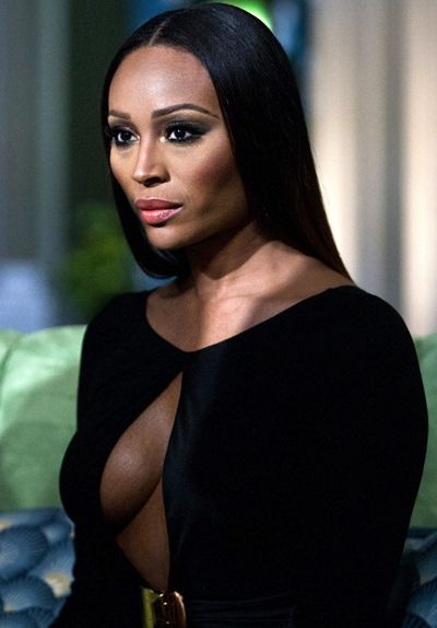 Cynthia Bailey, the Black Nubian Queen under velvet moonlight! This woman is 45 and FLAWLESS!