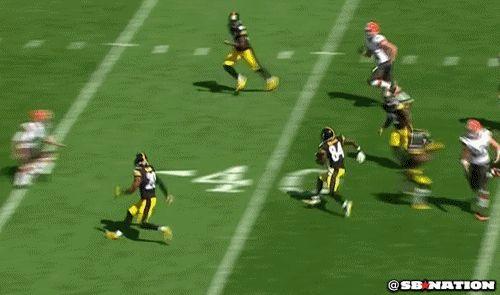 Steelers' Antonio Brown Dropkicks Browns' Punter Spencer Lanning http://www.omglmaowtf.com/steelers-antonio-brown-dropkicks-browns-punter-spencer-lanning