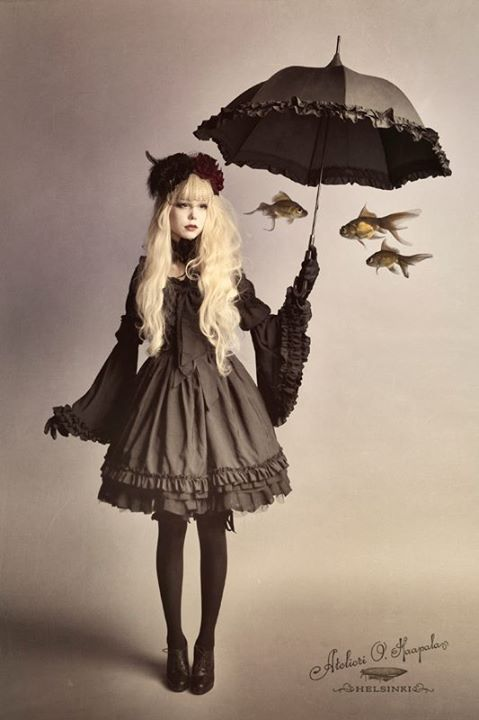 Rosa Nitida - Wearing gothic lolita after such a long break from lolita fashion!