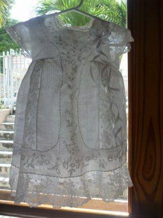 Robe de Baptême courte ancienne.