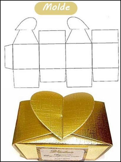 caixa de papel com coração molde