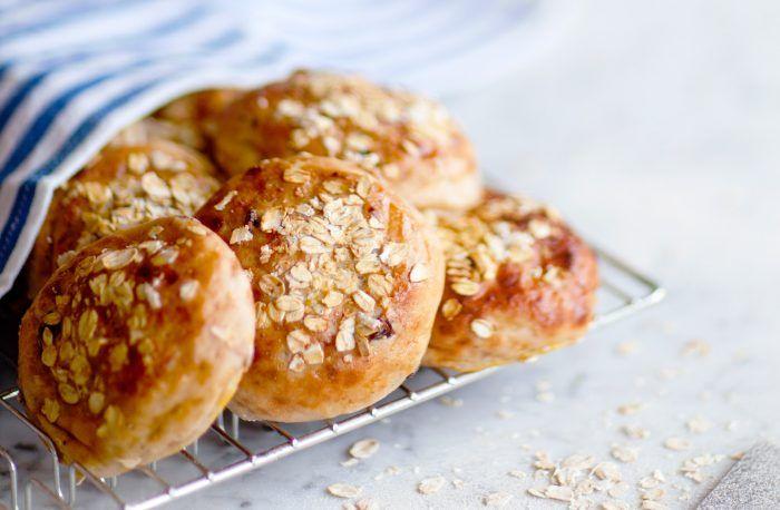 Glutenfritt bröd – havrefrallor med lingonsylt