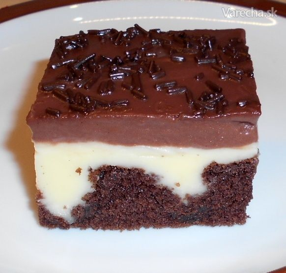 Dierkovaný koláč s pudingom (fotorecept)
