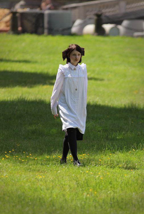 1900s Victorian/Edwardian Schoolgirl's Pinafore www.caeruleusberolinensis.com
