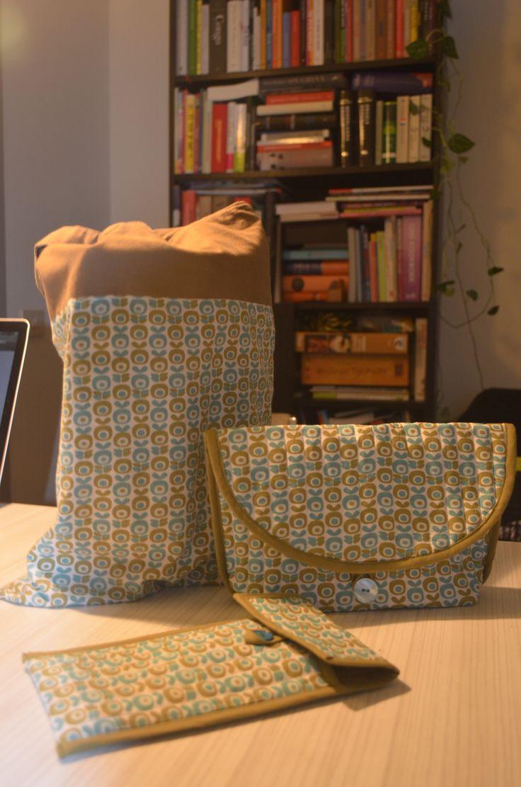 Tas met binnenzakje (uit: Zo geknipt) Twee gewatteerde tasjes