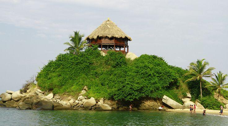 La playa es por excelencia un perfecto escenario para el romance, pero Santa Marta redefine totalmente este concepto.