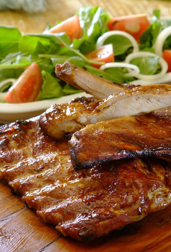 Sweet and sticky #ribs: a fabulous family feast, and so easy to make using a Knorr Cook-In-Bag. Serve with potato wedges & salad for a wonderful weekend meal. #familyfood
