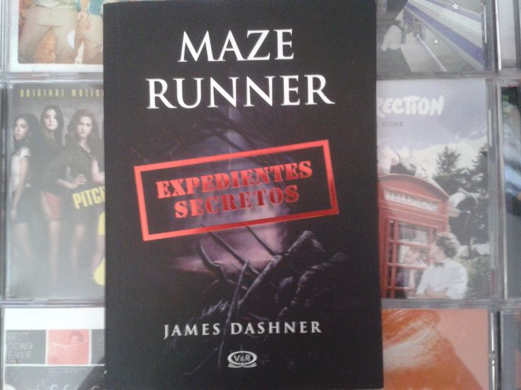 """Maze Runner: Expedientes secretos"" escrito por James Dashner.:"