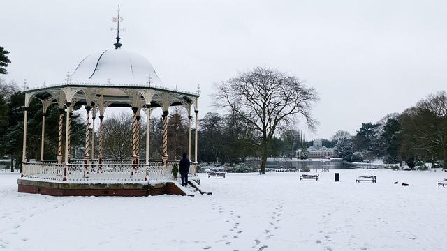Bandstand, boating lake and beyond: snow by Dave_A_2007, via Flickr
