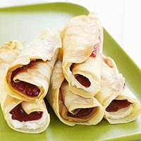 Another make-ahead breakfast idea.  Use fillings of peanut butter, whipped cream cheese, and low-sugar preserves.  Lasts 3 days in fridge or 1 month in freezer.  Reheat in the microwave!