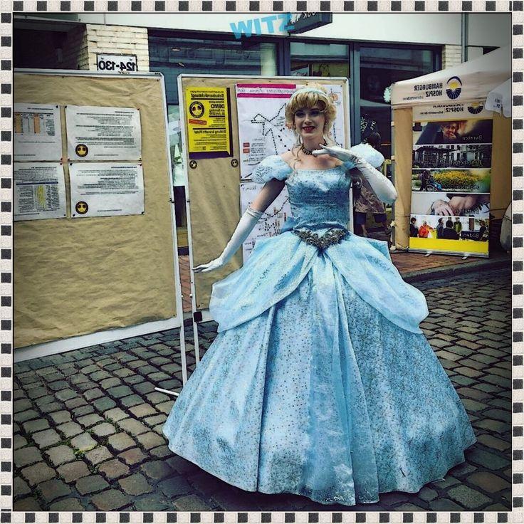 Elsa die Eisknigin am Stand vo