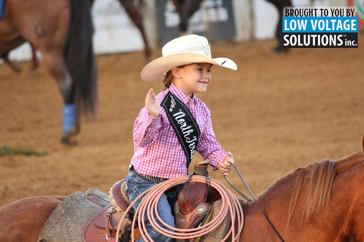 Mastered the art of waving while riding your horse? Then you're ready to be one of our rodeo queens! Sign up today!  ¿Puedes saludar y montar a caballo? ¡Entonces estas lista para ser una de las reinas del rodeo!  Regístrate hoy,