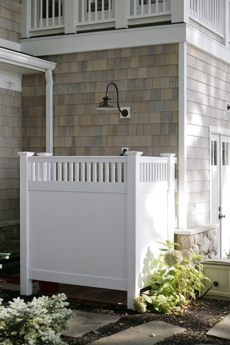 Outdoor Showers: The New Accessible Luxury