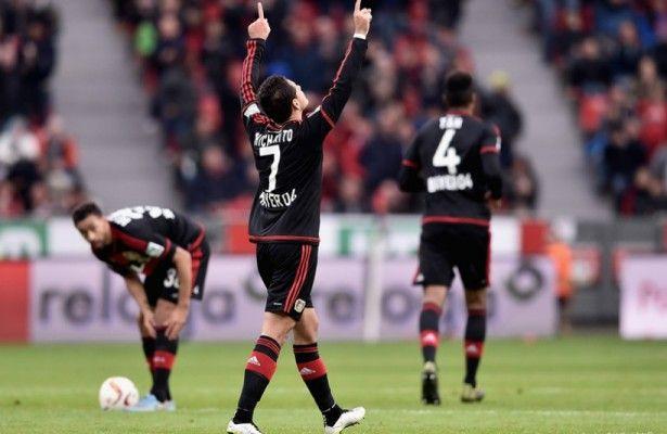Chicharito, clave en el éxito del Leverkusen - El desempeño de Javier Chicharito Hernández con el Bayer Leverkusen no pasa desaparecibido para el portal de la Bundesliga, que este lunes destaca l...