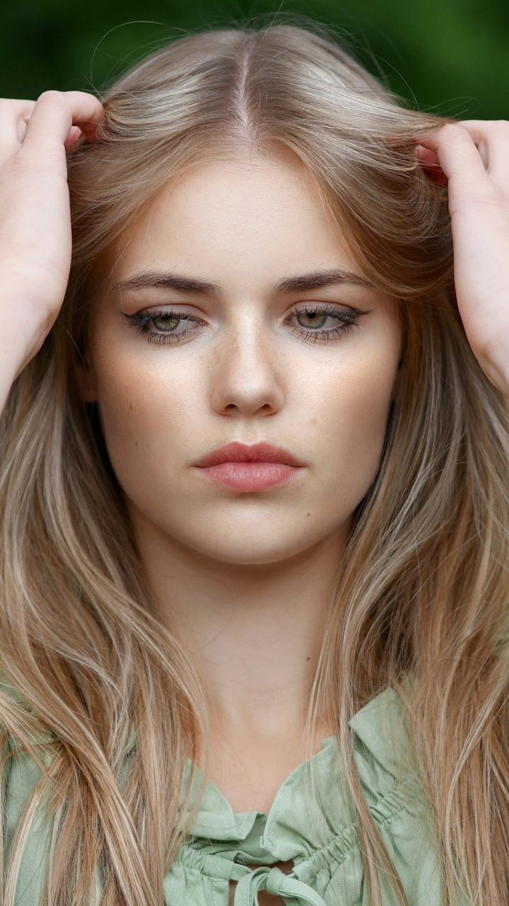 Pretty Woman Blonde Model Beautiful 720x1280 Wallpaper Most Beautiful Faces Beautiful Girl Face Beauty Face