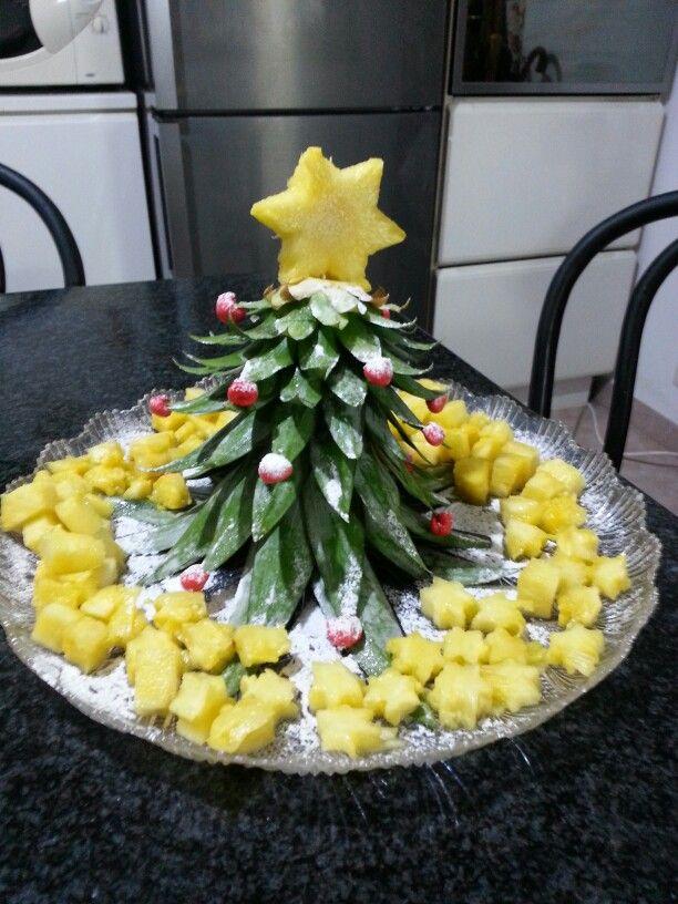 Albero di natale realizzato con un ananas decorazioni for Albero di ananas