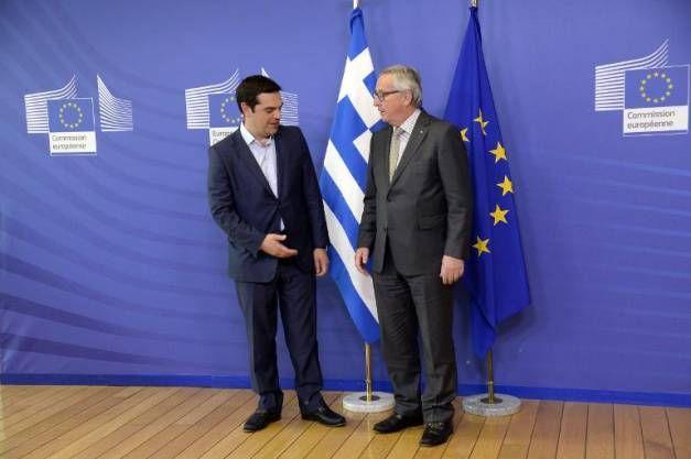 Alexis Tsipras  et Jean-Claude Juncker avant leur réunion à Bruxelles le 3 juin 2015