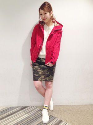 迷彩柄と合わせて♪ <春夏ファッション マウンテンパーカー・レディース>