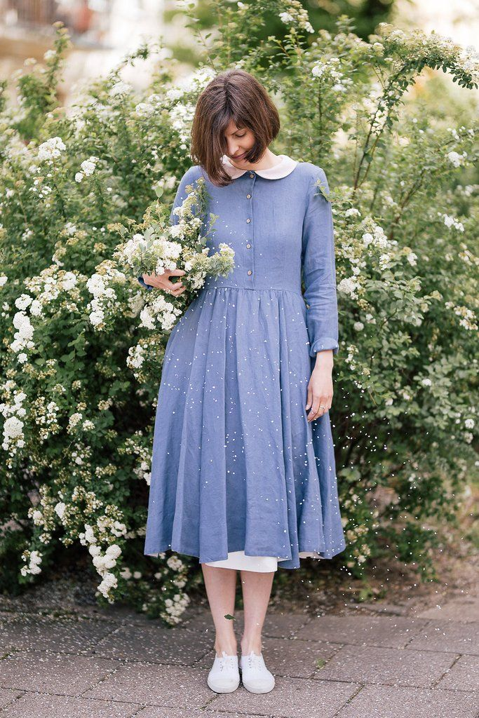 Classic linen dress with long sleeves, round collar, white lining, in grey dandelion | Sondeflor